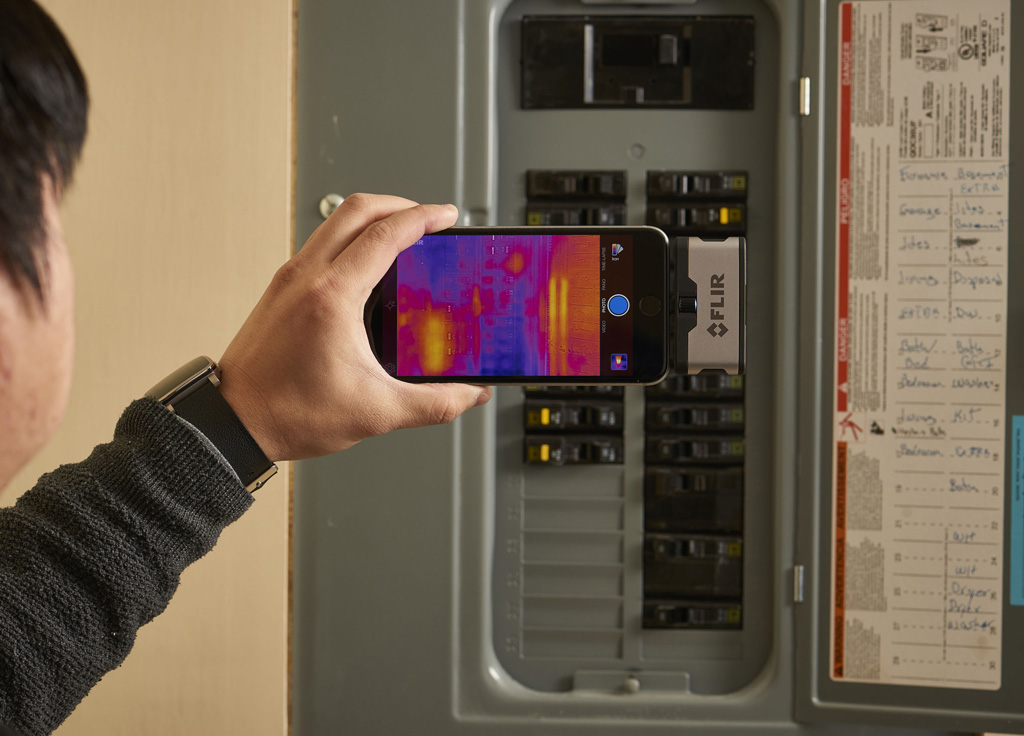 FLIR ONE electrical